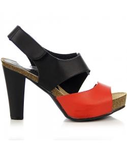 Čiernočervené sandálky